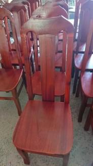Ghế gỗ dành cho bàn ăn gia đình