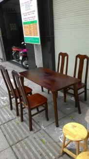 Bộ bàn ghế gỗ dành cho gia đình