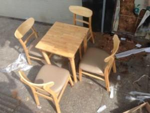 Bàn ghế gỗ bọc nệm giá rẻ