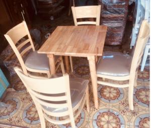 Bộ bàn ghế gỗ bọc nệm 1 bàn+4 ghế