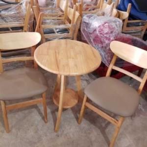 Bộ ghế gỗ hình tròn giá rẻ