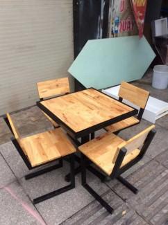 Bộ bàn ghế gỗ mặt vuông,giao hàng toàn quốc