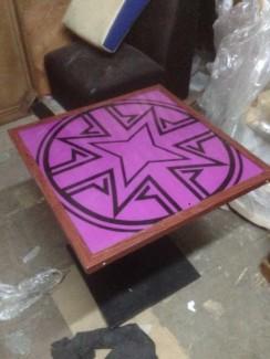 Bộ bàn mặt vuông màu tím in hình hoa vuông