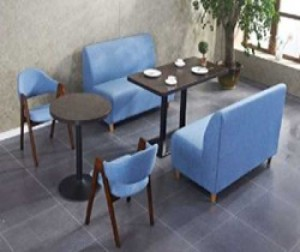 Bộ bàn gỗ và gế sofa màu xanh dương tươi trẻ