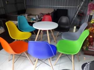 Nguyên bộ bàn ghế nhựa giá tốt cho quán cafe