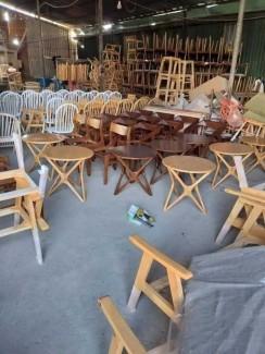 Cần thanh lý các mẫu bàn ghế gỗ cafe nhìu mẫu mã