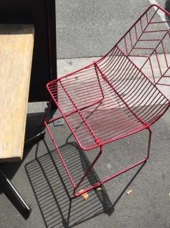 Bán ghế sắt có khung màu đỏ đẹp