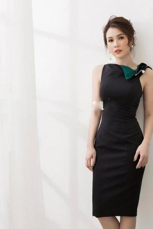 Đầm body cổ cách điệu cài trâm (DB2441)