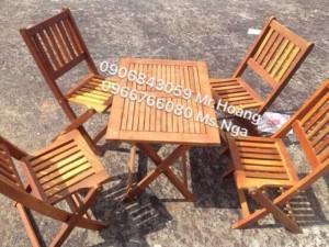 Bộ bàn ghế gỗ xếp dành cho quán nhậu