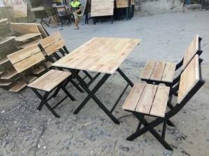 Thanh lý lô bàn ghế gỗ xếp của quán ăn