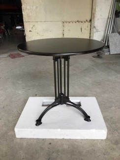 Mẫu bàn gỗ mặt tròn có sơn Pu