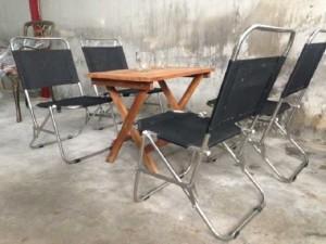 Bộ bàn gỗ xếp và ghế gập lưới