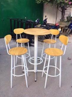 Bộ bàn gỗ mặt tròn và ghế chân cao màu cam giá rẻ
