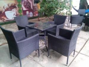Bàn ghế mây nhựa cao cấp cho quán cafe sân vườn MSSD1