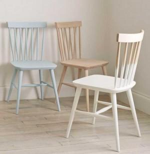 Ghế gỗ có lưng tựa nhìu màu