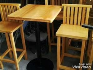 Bộ bàn ghế gỗ có sơn pu màu vàng đẹp