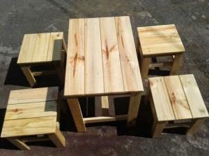 Bộ bàn ghế gỗ cho quán cafe NBM02