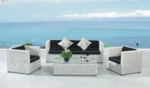Thanh lý bàn ghế sofa nhựa mây màu trắng có bọc nệm màu đen