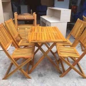 Cần bán bàn ghế gỗ xếp NH03