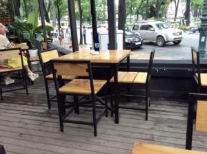 Bộ bàn ghế gỗ chân cao kinh doanh cafe,miễn phí vận chuyển