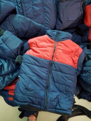 Xưởng may áo khoác giá rẽ—áo gió quảng cáo