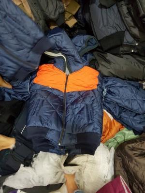 Xưởng may áo khoác giá rẻ ở Sài Gòn