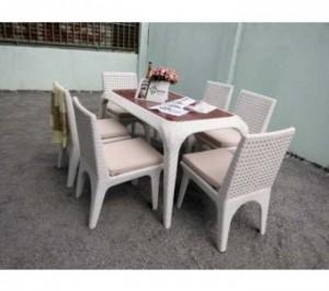 Bộ bàn ghế nhựa màu trắng,giao hàng toàn quốc