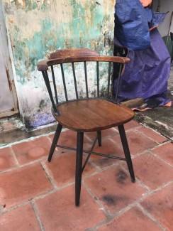 Ghế gỗ có lưng cao