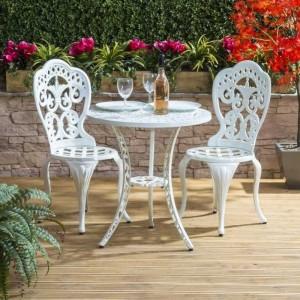 Ghế gỗ sơn pu trắng kinh doanh cafe sân vườn