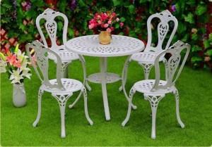 Bộ bàn ghế cafe cổ điển dành cho sân vườn
