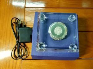 Đế đèn led pha lê đổi 7 màu làm sáng tượng, trang trí