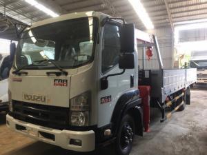 Xe tải Isuzu 4.8 Tấn FRR90N Gắn Cẩu 3 tấn Unic Urv343 (4X2), thùng dài 6m1