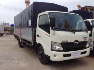 Xe tải Hino XZU720L 3.5 tấn thùng mui bạt, trả trước 100 triệu nhận xe trong ngày