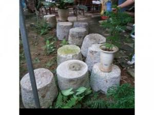 Bộ sưu tầm khoảng 50 cối đá xưa cỡ khủng