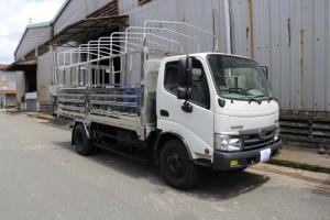 Xe tải Hino Dutro WU342L thùng mui bạt 5 tấn,...