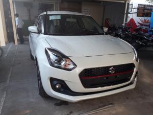 Suzuki New Swift phiên bản GLX 2018 màu trắng