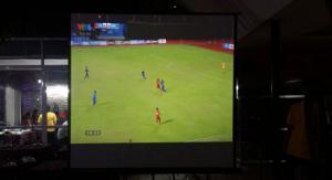 Cho thuê máy chiếu phục vụ xem bóng đá