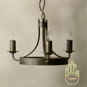 Đèn chùm sắt cổ điển ba nến