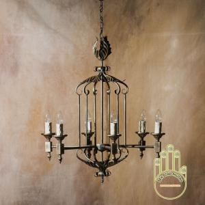 Đèn chùm sắt dòng cổ điển Châu Âu được thiết kế khá tinh sảo, tỉ mỉ và cực sang trọng chỉ có tại đây