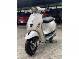 Cần Bán Vespa LXS 125 3Vie cuối 2014 màu trắng đẹp miễn chê- Biển Hà Nội.