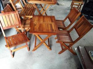 Thanh lý bàn ghế cafe giá rẻ, bàn ghế gỗ nhà hàng quán cafe thanh lý hcm mn