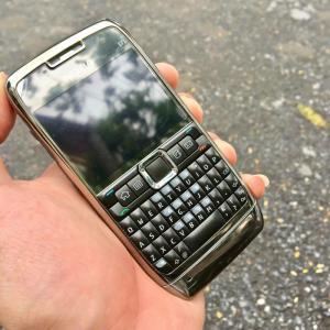 Nokia E71 chính hãng