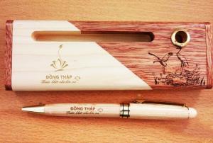 Combo hộp 2 màu và bút xoay trắng