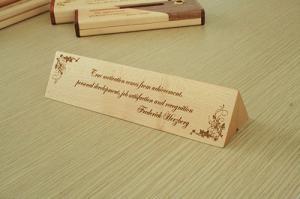 Hộp bút gỗ khắc chữ ( mẫu 6 )