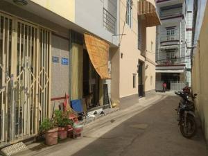 Bán căn góc 2 mặt tiền hẻm xe hơi đường Dương Cát Lợi, Thị Trấn Nhà Bè, DT 63m2, 2 lầu