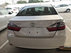 Toyota Camry 2.0E Màu Trắng Ngọc Trai Giao Xe...