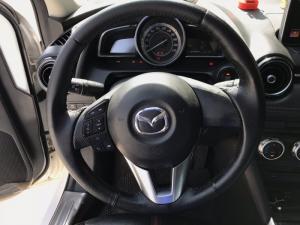 Bán Mazda 2 sedan màu trắng số tự động sản...