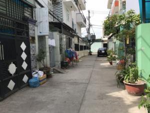 2018-12-13 14:34:54  2  Cần Bán Nhà Hẻm 5m Đường Tân Hòa Đông ( 4,3x13m ) Quận Bình Tân 4,000,000,000