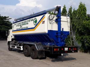 2018-12-13 14:49:11  8  Xe bồn Hino FL chở cám gia súc 24 khối 860,000,000