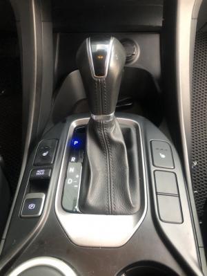 Bán Hyundai Santafe 4WD 2.4AT máy xăng màu đen VIP số tự động 2 cầu sản xuất 2015